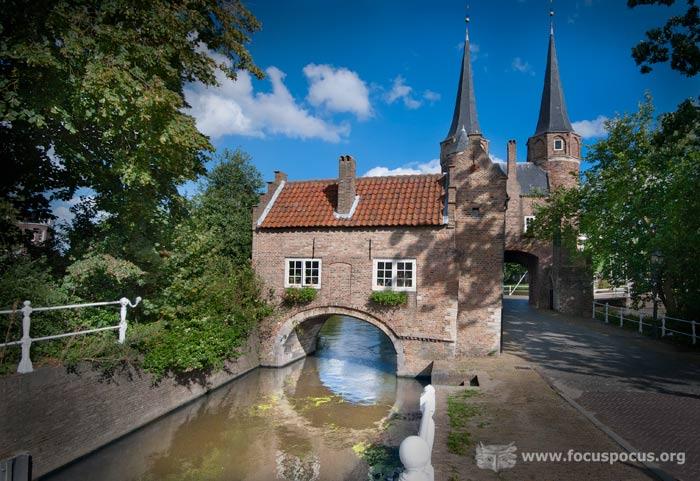Oostpoort (eastern gate), Delft